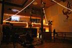 Montage des gradins et préparation de la salle...<br />(Photo : Yvonne Vansteenkiste)